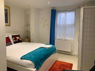 Yobel Hatter Suite -1 Bed - Luton
