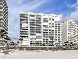 Gulf front condo w/ shared heated indoor pool, outdoor pool & gym