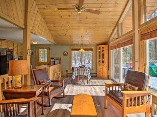 NEW! Cozy Long Lake Escape w/Deck, Patio + Privacy