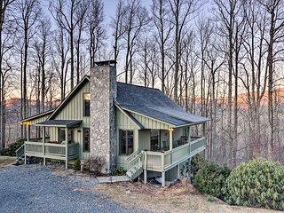 Cottage w/ Mtn Top Vistas ~6 Mi to Blowing Rock!