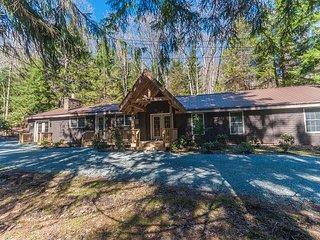 A Beautiful Lodge tucked away in tall Hemlock trees!