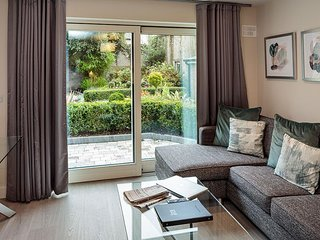 WALK TO CITY CENTER-BALLSBRIDGE 1BR-1BA APT