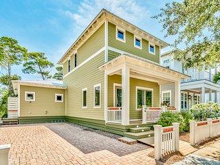 Home near Seaside w/shared pool, screened porch -walk to restaurants & the beach