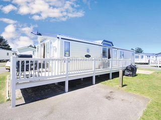Stunning caravan at Haven Seashore holiday park dog friendly ref 22021E