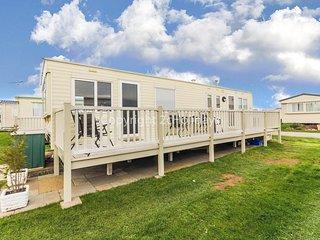 8 berth caravan for hire by the beautiful beach in Heacham, Norfolk ref 21055A