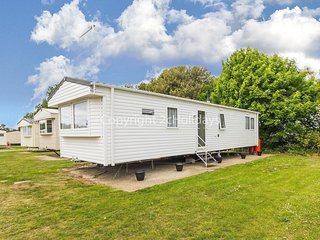 6 berth caravan for hire at Broadland Sands holiday park, Suffolk ref 20332BS