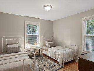 3 bedroom, Effingham Road