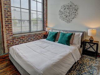 2 bedroom, Hawthorne Lane