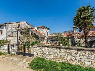 Beautiful home in Vrsar w/ WiFi and 2 Bedrooms (CIE650)