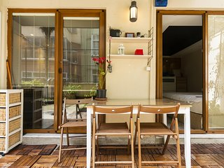 1 BR Snug House with Garden near Ramada Osmanbey Metro