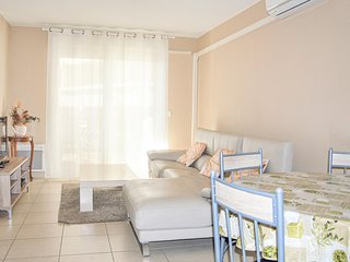 Beautiful apartment in Marseille with WiFi and 2 Bedrooms (FPB390)