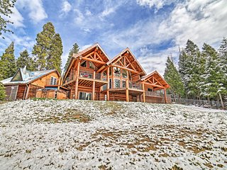 NEW! Luxe Log Cabin w/Hot Tub, Event/Pet Friendly!