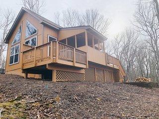 Eaglet Cabin near the Shenandoah River