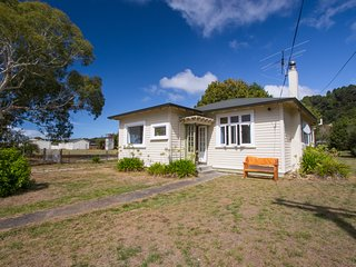 Marahau Cottage - Nelson Holiday Home, Abel Tasman National Park
