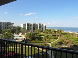 Oceanfront Condo, Pool & Ocean View, Elevator, Ramped Boardwalk, Resort Setting