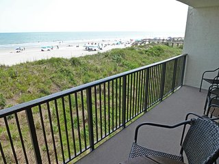 Oceanfront Townhouse-style Condo, 2 Balconies, Elevator, Pool, Resort Setting