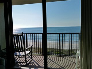 Oceanfront Townhouse-style Condo, 2 Balconies, 2 King Beds, Elevator, Pool