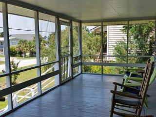 Budget Beach House, 2 Porches, Dog Friendly, Residential Location, Walk to Beach