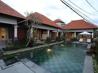 6 BR House with Private Pool + Breakfast W/Lovely Staff  (uma D37)