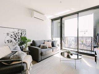 2BR Empire Suites in Melbourne CBD (FREE Parking)