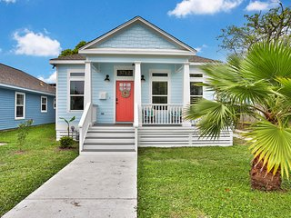 Fabulous dog-friendly home w/ a private yard - close to the beach!