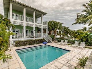 Mahi-Mahi House updated 3bed 4bath with private pool & dockage