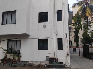 Hindustan 1st Floor · Quirky Pad with all Creature Comforts