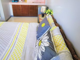Newly Renovated Studio Apartment with Balcony, Olongapo City Center!