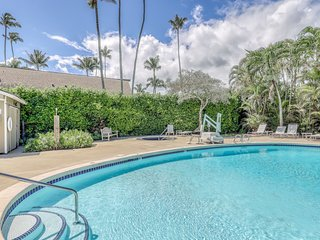 Ground-floor getaway w/ a furnished patio, shared pools, grills, & shuffleboard