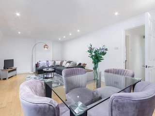 Delightful duplex 3 bedroom apartment in central London by oxford st (BPD)