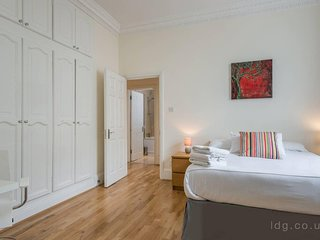 Beautiful 2 bedroom apt in the heart of South kensington, Central London (GP2)