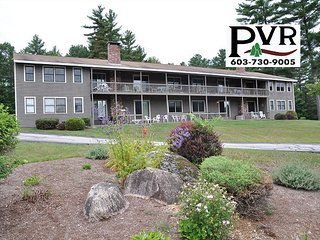 2BR Condo 1 Min to N. Conway Village! Cranmore Views, Pool, Tennis & WiFi!