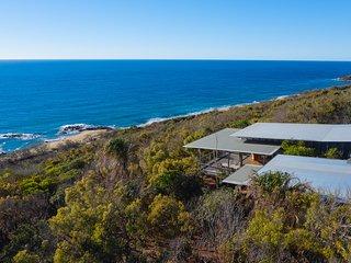 THE LOFT Beach house with Sea Views