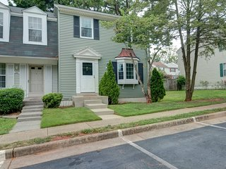 NEW! Sterling, largest 3 story Townhome near Dulles Airport, basement, modern de