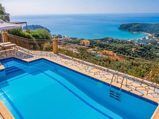 Hillside villa overlooking Parga with pool