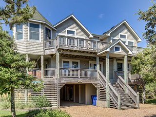 Rescued | 425 ft from the beach | Dog Friendly, Community Pool | Duck