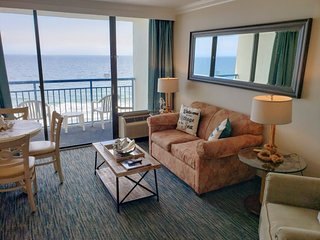 Oceanfront One Bedroom at Coral Beach~Coral Beach 816