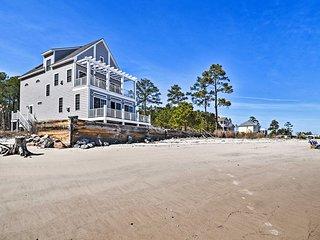 NEW! Mobjack Bay Beach House w/ Waterfront Views!