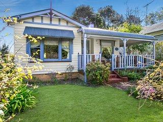 Ambrose Cottage Front Apt