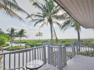 Updated Gulf Front Location w/Unobstructed Water Views - OFFICIAL RESORT LISTING