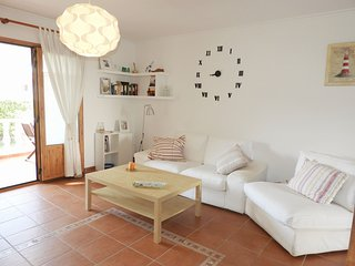 Lovely Apartment with Swimming Pool, Wifi, 5 minutes to the Beach