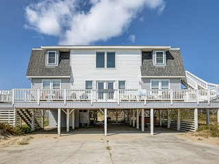 Horace's Hut | 200 ft from the beach | Hot Tub | Nags Head