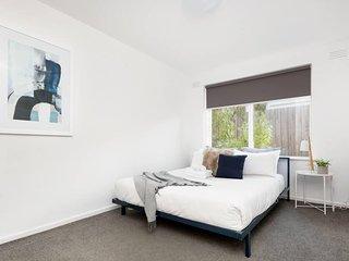 *SANITISED* Gorgeously Modern 3BR Apartment+ WIFI + FREE PARKING