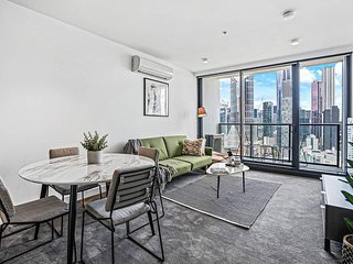 *SANITISED* Lvl 20 Spectacular Panoramic City Views + Free Netflix *Luxe