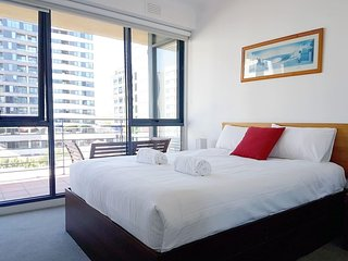 *SANITISED* Cosy Apartment in Flagstaff for 4 - Free Parking in Melbourne CBD