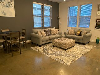 Downtown Executive Luxury Loft 12
