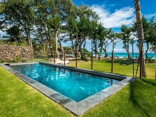 Beachfront home close to sandy beach, 4 bedrooms, pool, Laie