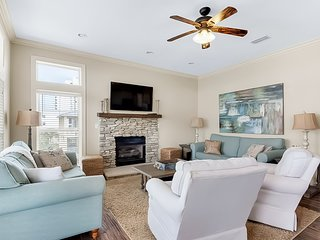 Elegant beach home w/ large balcony, shared pool and a short walk to the beach!