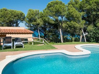 INDIVIDUAL VILLA 500 MTS TO THE BEACH-SEA VIEWS-8 people-wifi-BEGUR-COSTA BRAVA