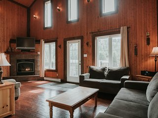 Ideal for a Family Vacation! | Cross-Country Ski Trails on site (230978)